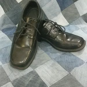 Men's size 9.5 black lace up dress shoes